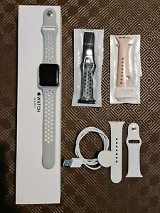Apple Watch Series 3 38mm Silver with Genuine white band