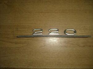 Emblem / Badge Mercedes-Benz 220 Metall
