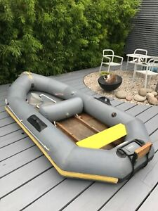 Avon Redcrest 9ft inflatable Hypalon Dinghy with seats, floor, outboard bracket.