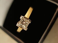 18 CARAT GOLD PRINCESS CUT DIAMOND SINGLE STONE RING BNIB MADE IN ENGLAND