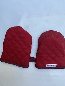 KitchenAid Kitchen Aid 2 Pieces Set With Silicone 2 Mitts Red