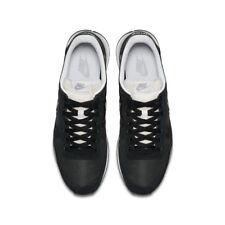 Chaussures Nike pour fitness, athlétisme et yoga pointure 45