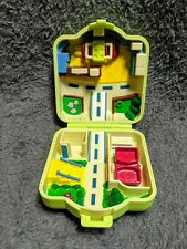 Tomy Pokemon House CITY ADVENTURE Mini Playset Polly Pocket Style Compact