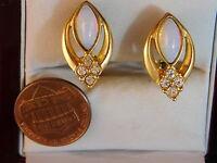 Vintage Avon Gold tone Faux White Opal Rhinestone Clip on Earrings10a 97
