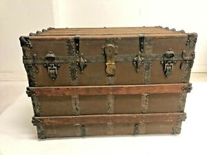 Vintage WOOD STEAMER TRUNK chest coffee table storage box crate rustic antique