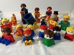 Lego Duplo Konvolut - Figuren/Pferde/Steine usw. Alt!!!! Ca. 30 Teile