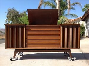 Mid Century Modern Admiral Stereo Console / Credenza - Local Pick Up