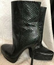 7f6f135ccc1 Gucci Ankle Boot Green And Black Snake Skin Platform Side Zip Size 37