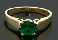 14K gold elegant high fashion 1.0CTW emerald solitaire ring size 6