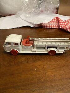 Vintage White Plastic Fire Truck With Metal Ladder USFD 999, ~8 Inches Long