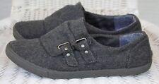 Guppy Love Gray Wool-Like Womens Flat Slip-On Shoes 8.5 M, Buckle Decor