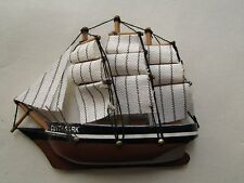 HANDCRAFTED DECOR WOODEN CUTTY SARK MODEL CLIPPER SHIP MAGNET, 4 INCH