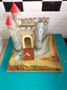 Figurine soldat en plastique Moyen âge ancien château fort Starlux elastolin ???