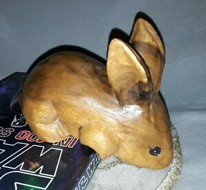 Wooden Rabbit Hare Bunny Carving Shelf Rabbit looking down Woodenware collectabl
