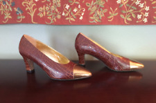 Paloma Textured Leather & Gold Cap Toe Vintage Heels Size 8.5 B