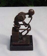 Statue Sculpture Le penseur Squelette Style Art Deco Bronze Signe