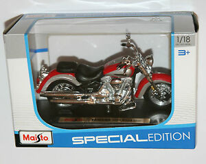 Maisto - YAMAHA 2001 ROAD STAR Motorbike - Model Scale 1:18
