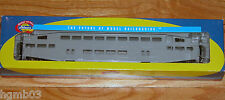 ATHEARN 2559 RTR BOMBARDIER COACH UNDECORATED