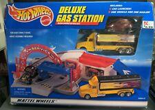 Hot Wheels Deluxe Gas Station Service Set - 1998 - Mattel 65830-91 - NOS