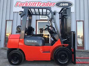2002 TOYOTA 7FGU25 5000LB PNEUMATIC TIRE FORKLIFT ** 4 way hydraulics