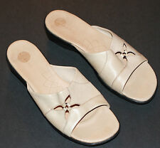 Pre-worn Women's Clarks Leather Beige Slip-On Sandals Floral Cut-Out 10M