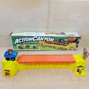 VINTAGE 1978 LAKESIDE'S ACTION CANYON GAME WITH BOX COMPLETE NO INSTRUCTIONS