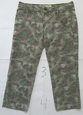 """Levi's Girl's Pants Floral Camo Camouflage Tab Twills Size 7 Inseam 21"""" Green"""