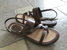 NEW BORN B.O.C SOPHINA BROWN SANDALS WOMENS 7 BROWN TOE LOOP STRAPPY SANDALS