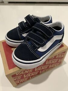 Vans Old Skool V Toddler Size 5 Navy Blue. Used Twice. Great Condition.