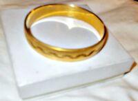 Beautiful Vintage Crown Trifari Women's Gold Tone Bangle Bracelet