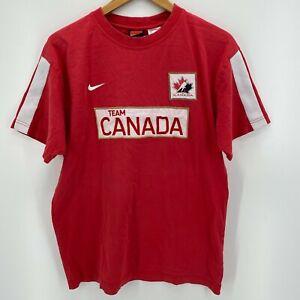 Nike T-Shirt Men's Size M Red Team Canada Hockey Sewn Short Sleeve Crew Neck