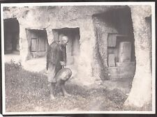 VINTAGE PHOTOGRAPH 1920S TOKYO JAPAN OLD MAN STONE CAVE BUILDING CEMETERY PHOTO
