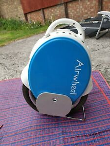 Airwheel Q5 electric self balancing Dual Wheel Unicycle BLUE  hardly used Boxed