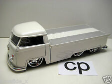 JADA V DUBS 1963 VW PICKUP SLIDING BED 1:24 WHITE VOLKSWAGEN CARS