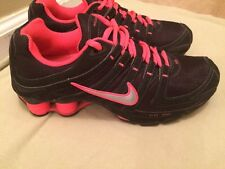 Women's Nike Shox Size 8 Hot Pink and Black