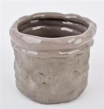 Vasi grigio in ceramica per la decorazione della casa