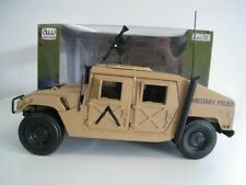 HUMMER  The Freedom Brigade  HMMWV (HUMVEE)  Auto World  1:18  OVP  NEU