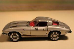 Franklin Mint 1963 Fiberglass Corvette Coupe in Silver...MIB..Outstanding !!