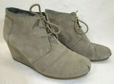 TOMS 300513 Desert Wedge Heel Suede Boots US W9.5 Taupe Ankle Women Bootie
