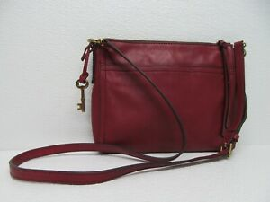 Fossil Fossil Emma East West Cranberrry Red Leather Cow Hide Top Zip Crossbody