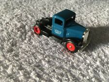 Lledo Days Gone DG 67006 1935 Ford 3 Ton Cab - Smiths Crisps