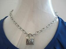 AUTHENTIC NWT SILVER TONE GUESS LOGO RHINESTONE ROCKET NECKLACE       (A0913)