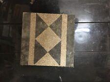 Cementine antiche a piastrelle e mattonelle di porcellana e ceramica