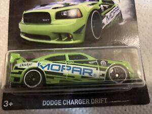 D7- Hot Wheels Dodge Charger Drift 2018 NIP Mopar Series Green
