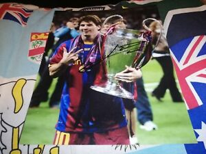 Lionel Messi hand signed FC Barcelona photo