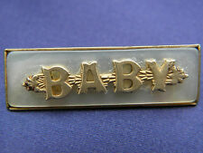 BEAUTIFUL VINTAGE BABY MOTHER OF PEARL & GOLD TONE BROOCH