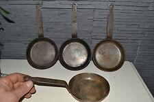 Lot de 4 mini poêles en acier très épais diamètre (12cm)