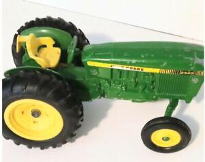 VTG Ertl 1/16 Scale John Deere 2440 Tractor Diecast and Plastic Green Farming