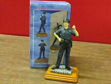 """POPULAR IMPORTS AMERICAN GREAT HEROES POLICEMAN  FIGURINE ~7.5 """"HEIGHT # FG 7013"""