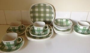 Vintage TG Green Patio Gingham England 19pc Dinner Set Art Deco 30s Rockabilly